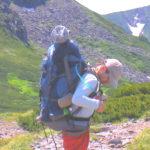 登山 縦走用ザックを背負う パッキングの仕方