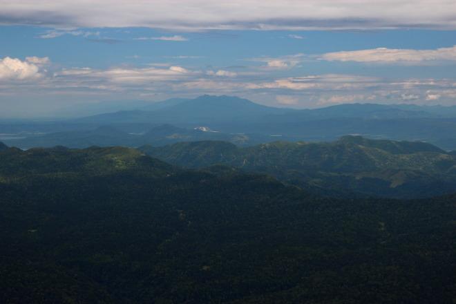 斜里岳や知床の山並み