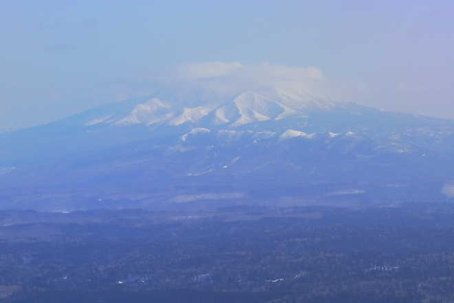 斜里岳にかかったレンズ雲