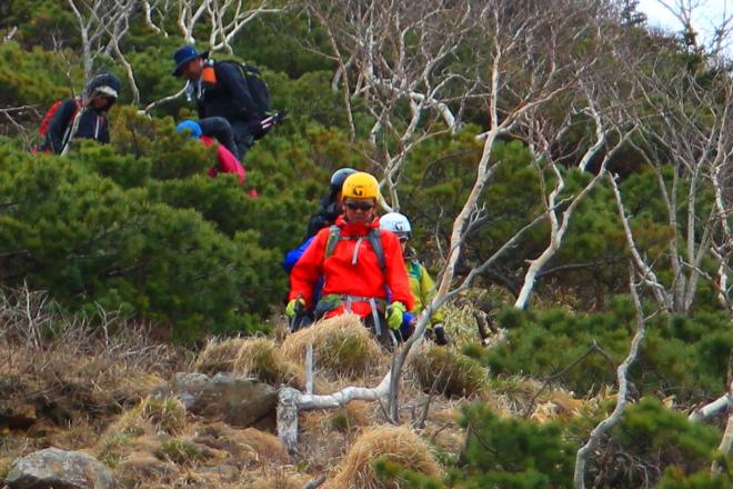 登山 ヘルメット