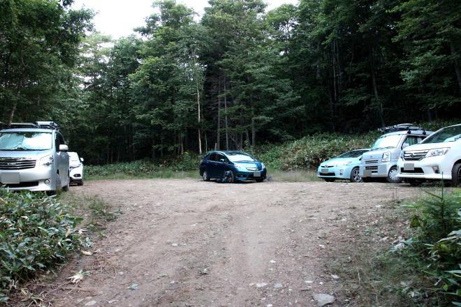 ニペソツ山 林道先の駐車スペース