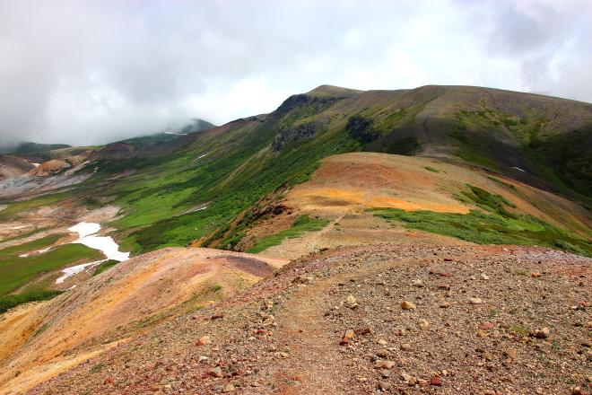 北海岳方面の稜線