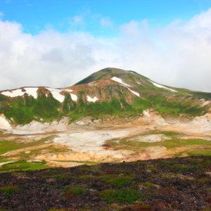 大雪山お鉢平と北鎮岳
