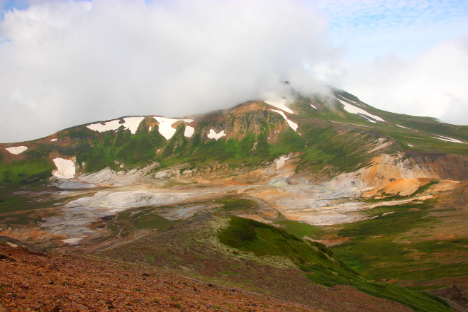 北海岳から見たお鉢平と北鎮岳