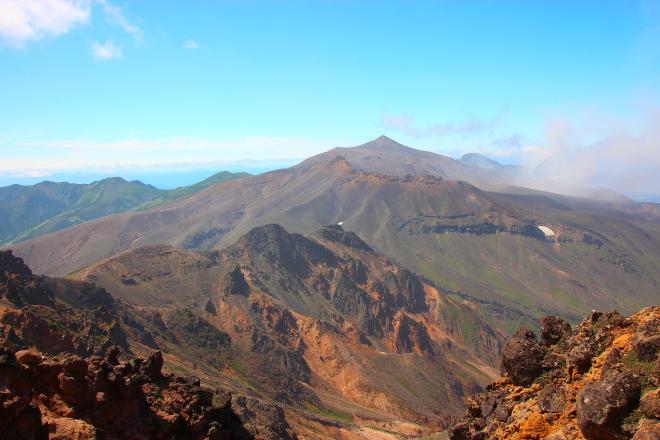 美瑛岳から見た十勝岳